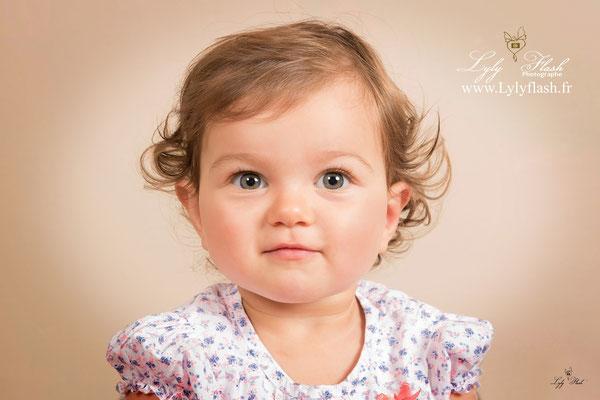 portrait photo de bébé