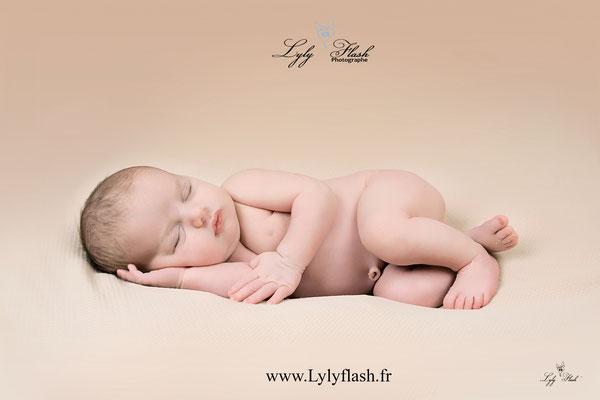 photographe bébé nouveau-né var