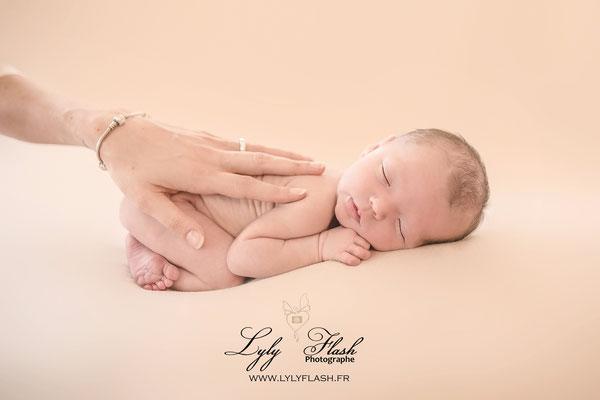 photographe nouveau-né marseille