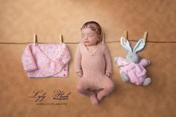 Photographe naissance bébé  corde a linge