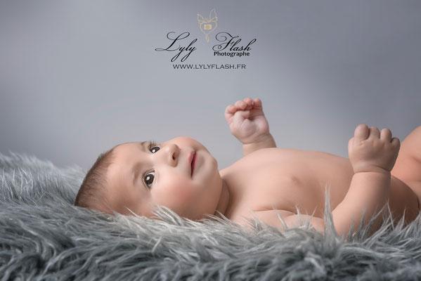 photographe bébé 2 mois studio photo