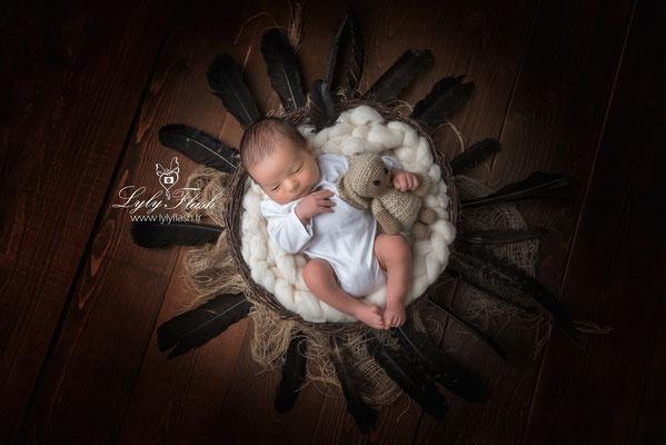 photographe nouveau-né  bébé  Saint Anastasie