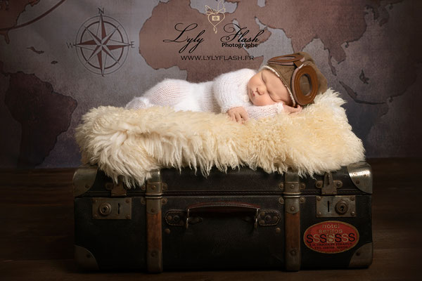 bébé aviateur photo studio photographe lyly flash Fréjus La Garde  La Garde-Freinet  Garéoult  Gassin  Ginasservis  Gonfaron  Grimaud  Hyères Le Lavandou  La Londe-les-Maures  Lorgues