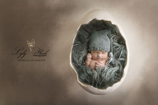 Photographe naissance bébé  kinder surprise