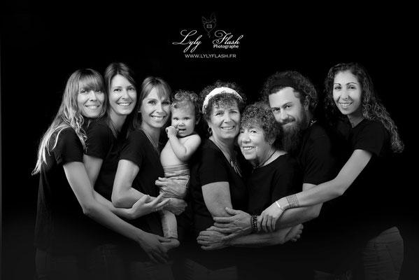 portrait noir et blanc en famille Aix en provence