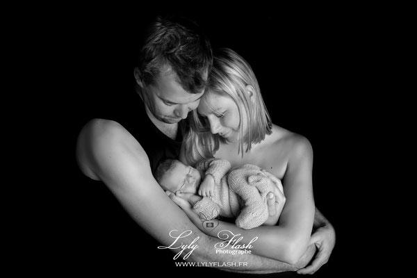 photographe près de Photographe cotignac photographie noir et blanc pour la naissance de bébé