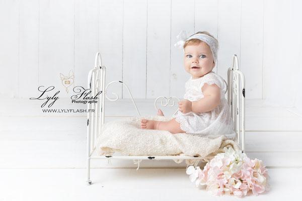 photographe en studio bébé d'art flassans sur issole  ou fayence