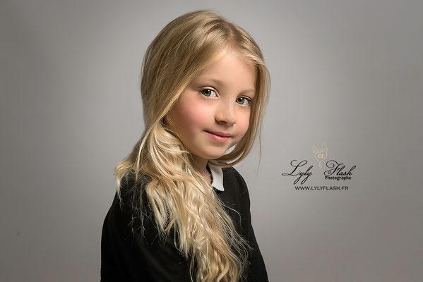 portrait d'enfant photographe studio cuers