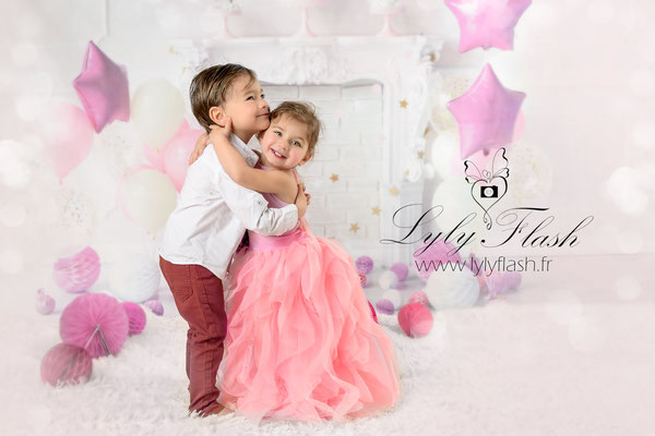 photographe portrait d'enfant en studio  tendresse