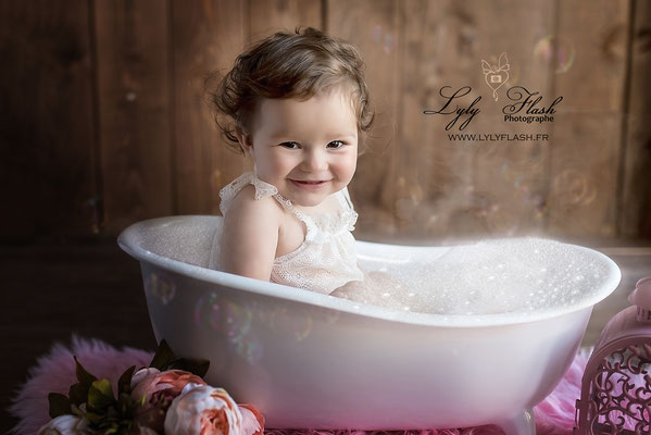 photo bébé dans le bain studio photo artistique Monaco