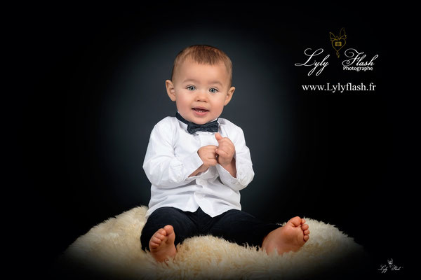 Photographe de bébé en studio photo dans le var et PACA
