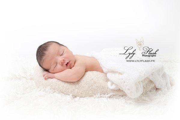 photographe bébé naissance saint maximin la sainte baume draguignan