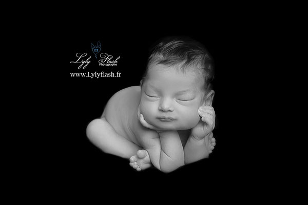 posing newborn photographe studio shooting naissance