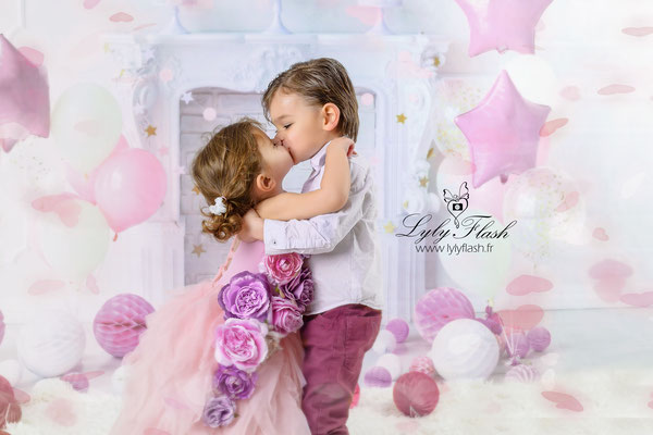 photographe portrait d'enfant en studio  amour