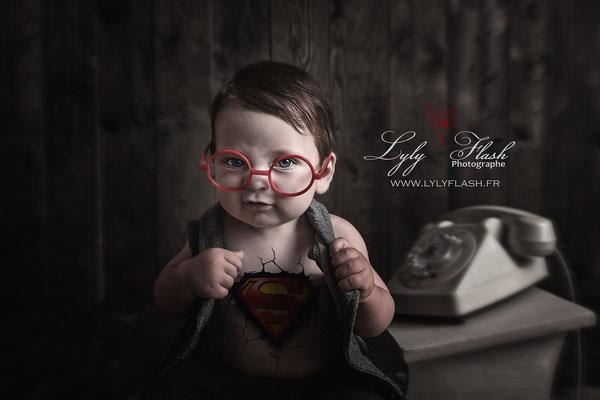 photo originale bébé super héro 10 mois