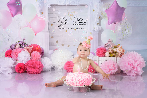 photographe anniversaire smash the cake bébé rose