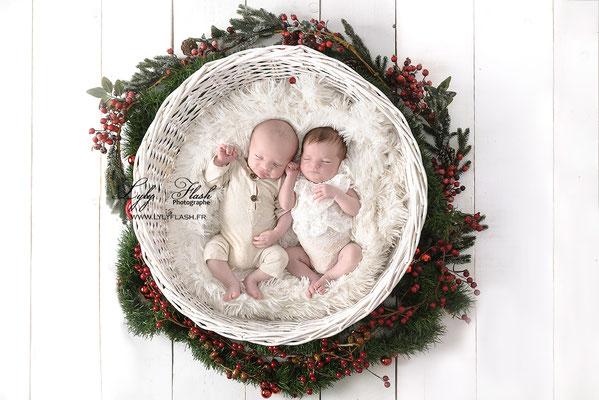 quand des jumeaux naissent avant noël pour voir le père noel passer. une photographie réalisée par lyly flash photographe du var