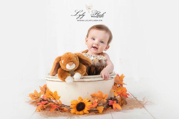 photographe bébé 9 mois studio photo Les Adrets-de-l'Estérel Aiguines Ampus Les Arcs Artignosc-sur-Verdon Artigues Aups Bagnols-en-Forêt Bandol Bargème Bargemon Barjols
