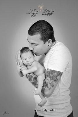 photo bisous papa et bébé naissance nouveau-né photographe du var
