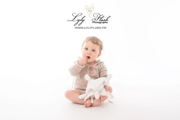 portrait de bébé studio photo draguignan photographe spécialisé dans le portrait de bébé
