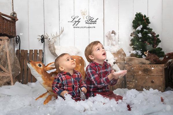 photographe noël, noel dans la neige photo studio lylyflash  magique noël dans la neige