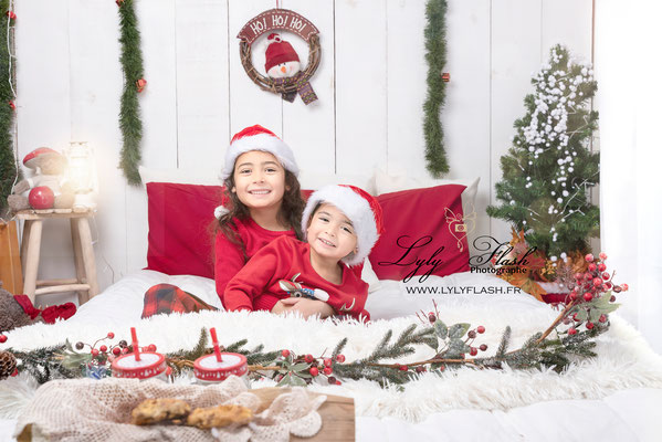 photographe enfant bébé noel meilleur moment magique christmas day studio photo var et marseille aix en provence monaco avignon