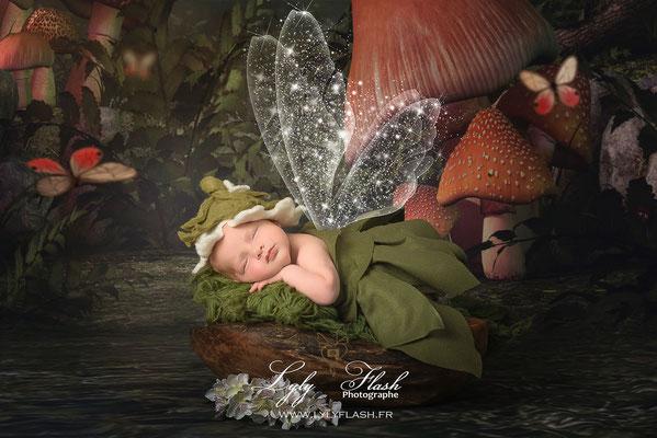 photo de bébé a la naissance une petite fée version la fée clochette par lyly flash photographe d'art en studio près de fréjus
