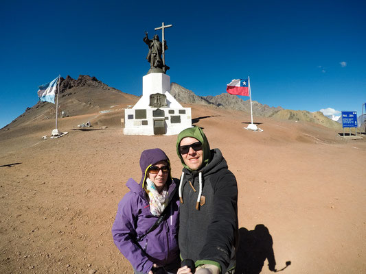 Grenze zwischen Argentinien und Chile. Auf über 4000 M.ü.M war der Wind A****kalt