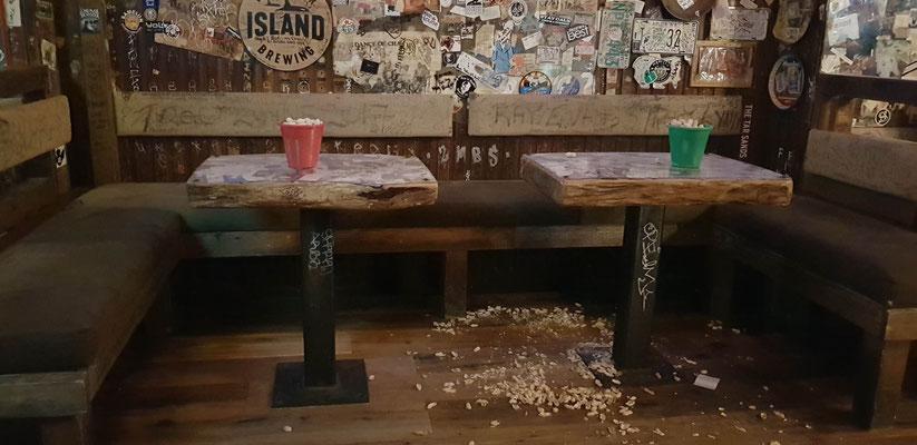 So sah es bei jedem Tisch aus :)