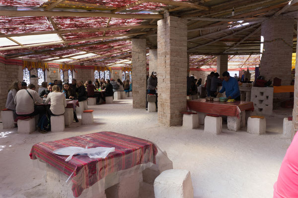 Mittagessen im ehemaligen Hotel aus Salz