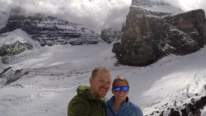 """Das Wetter war wieder einmal mittelmässig. Dennoch hat sich die doch anstrengende Wanderung """"Plain of Six Glaciers"""" gelohnt."""