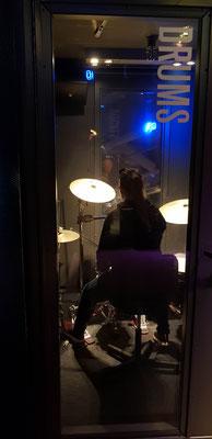 Es gab auch professionelle Aufnahmestudios, welche man für 15 Minuten nutzen konnte.