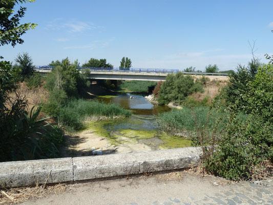 Le nouveau pont, rte de Tomelloso, photo prise de l'ancien pont