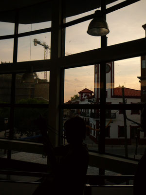 Vue panoramique sur la place de la Mairie