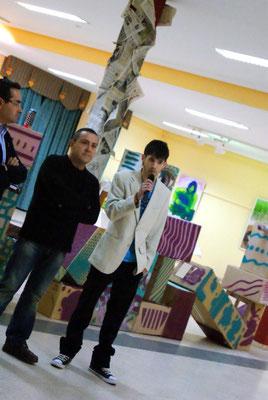 En présence du Maire (à gauche) et de l'adjoint à la culture (au centre)