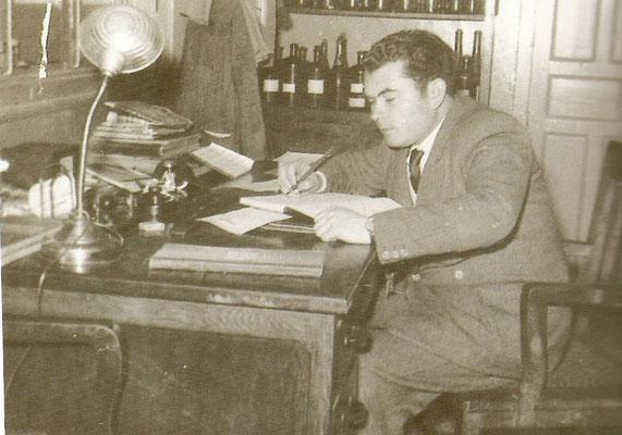 1960 Vicente Rodriguez oenologue de la bodega Amorox à Zancara