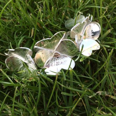 Zilveren armband met viooltjes