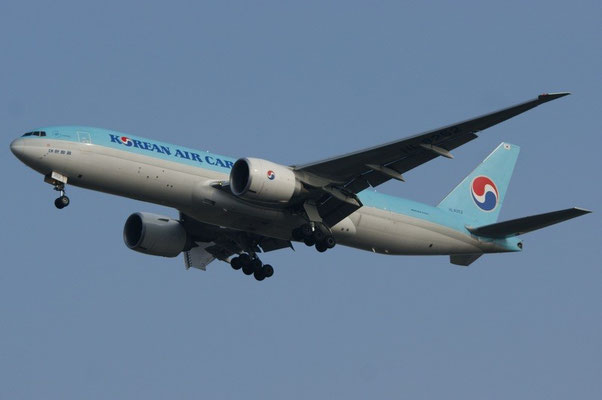 Korean Air Cargo --- HL-8252 --- B777-FB5