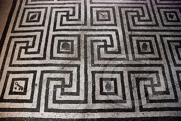 100907_0070-Herculaneum