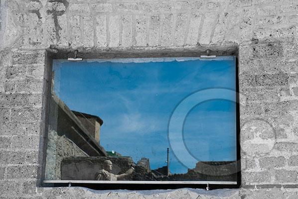 100907_0104-Herculaneum