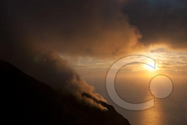 100912_0824 Stromboli Sonnenuntergang
