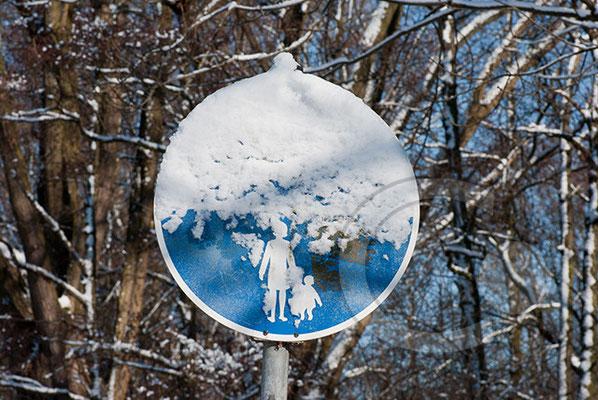 100306_DSC0097 Schild Schnee Winter