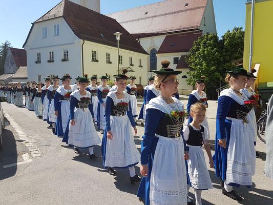Trachtenfest / Kirchenzug
