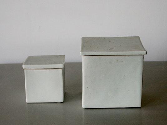 中本理詠 白磁箱