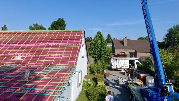 Réalisation d'une toiture en tuile Eternit par Marchand