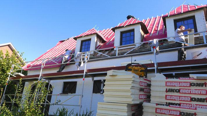 Isolation du toit avec les panneaux Iko enerthem
