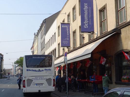 """In unserer """"Rheinhessenperle"""" mit der """"Lachexpedition"""" quer durch Düsseldorf"""