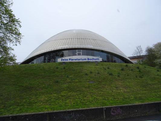 """Vorführung """"Vom Urknall zum Menschen"""" im Zeiss Planetarium Bochum"""