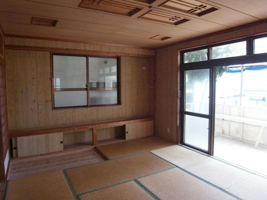 最初は、こんな感じの和室でした。