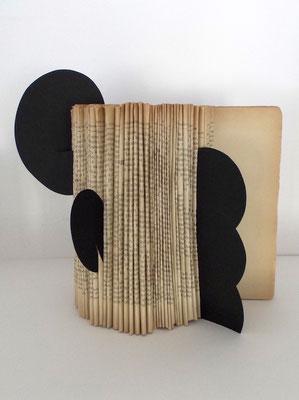 LIBROscultura 1 - libro ripiegato + sagome di cartoncino 2017 cm20x19,5 h